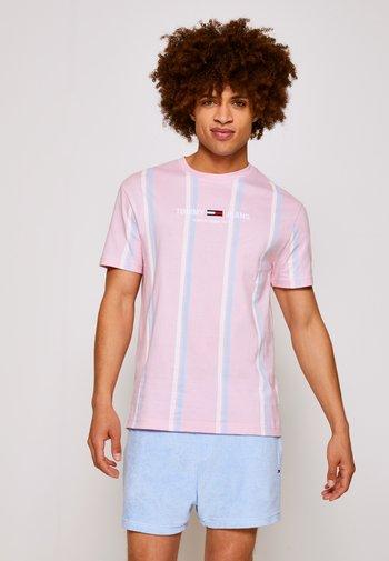 T-shirt med print - romantic pink
