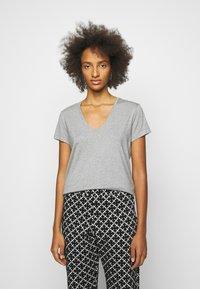 By Malene Birger - FEVIA - Basic T-shirt - med grey - 0