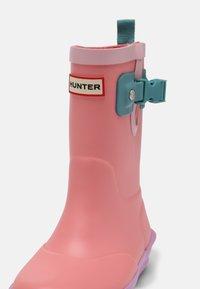 Hunter ORIGINAL - DAVISON KIDS - Bottes en caoutchouc - hummingbird/waxflower/bluespruce - 4