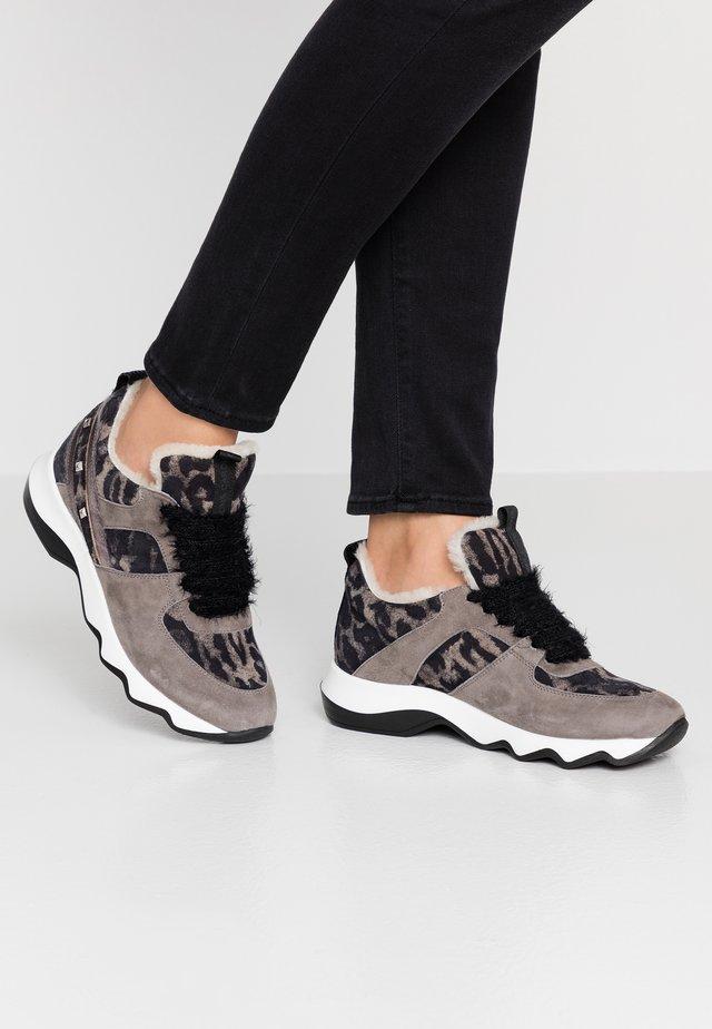 Sneakers laag - simba