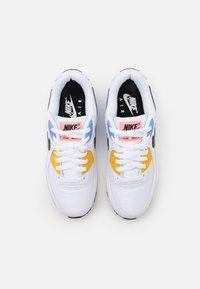 Nike Sportswear - AIR MAX 90 - Baskets basses - white/black/pure platinum/solar flare/atomic pink/royal pulse - 5