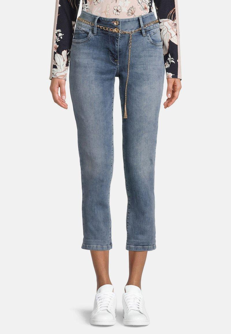 Betty Barclay - MIT WASCHUNG - Straight leg jeans - light blue denim