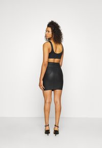 Missguided Tall - TALL COATED SUPERSTRETCH MINI SKIRT - Jupe crayon - black - 2