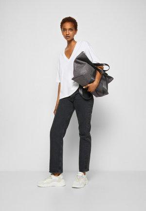 HAND BAG - Shopping bag - grey