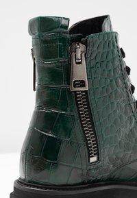 Kennel + Schmenger - BOBBY - Platform ankle boots - verde - 2