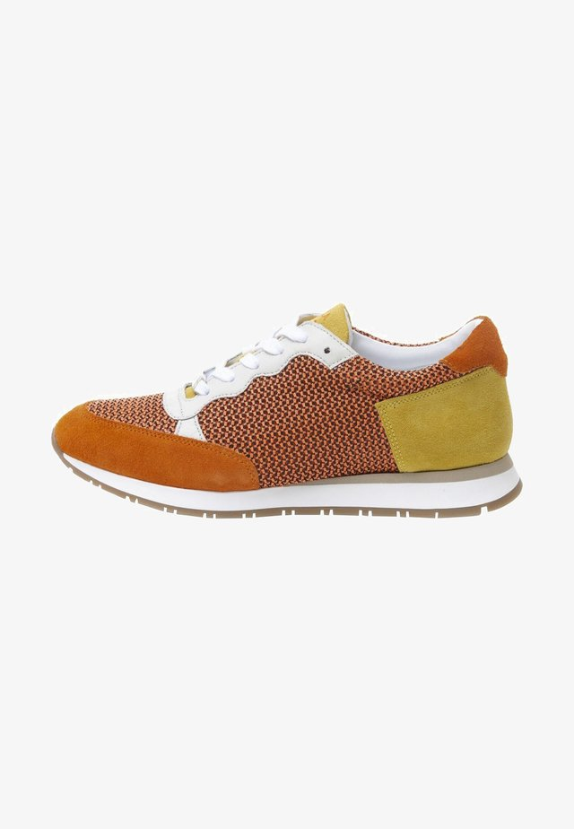 KAY - Sneakers laag - orange