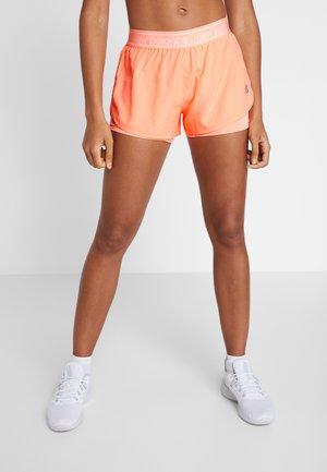 Pantalón corto de deporte - pink