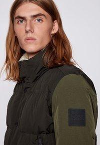 BOSS - OSK - Down jacket - open green - 4