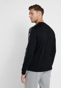Champion - LONG SLEEVE CREWNECK  - Långärmad tröja - black - 2