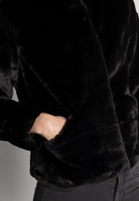 ONLY - ONLVIDA JACKET - Winter jacket - black - 4