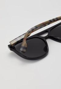Burberry - Sunglasses - black - 6