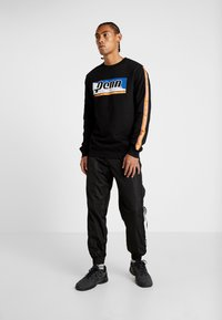 Penn - MENS GRAPHICA TRACK PANT - Tracksuit bottoms - black - 1