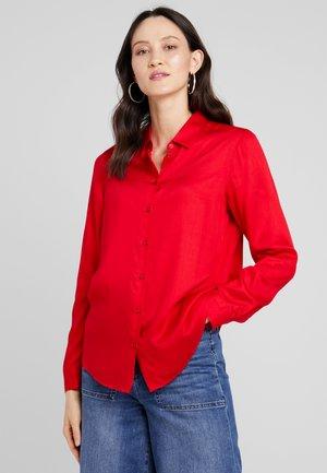 Paitapusero - haute red