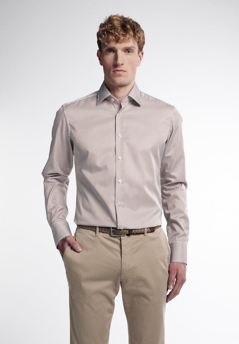 Eterna - SLIM FIT - Formal shirt - beige/weiss