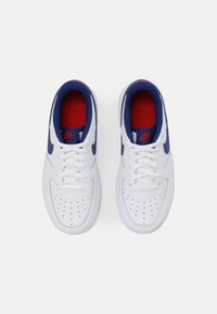 Nike Sportswear - FORCE 1 UNISEX - Sneakers laag - white/deep royal blue/universal red - 3