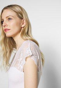 Rosemunde - Triko spotiskem - new white - 4