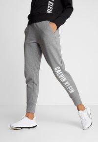 Calvin Klein Performance - PANTS - Tracksuit bottoms - grey - 0