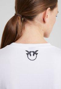 Pinko - PIMPI - Print T-shirt - white - 3