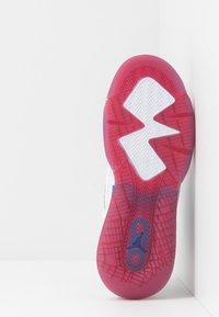 Jordan - MARS - Basketbalové boty - white/black/university red/rush blue - 5
