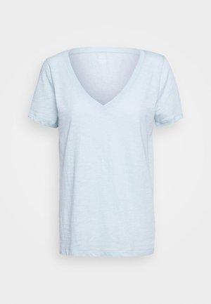 VINTAGE V NECK TEE - Basic T-shirt - faded mint