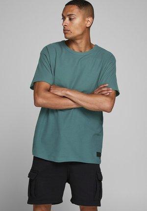 SCHLICHTES - Basic T-shirt - north atlantic