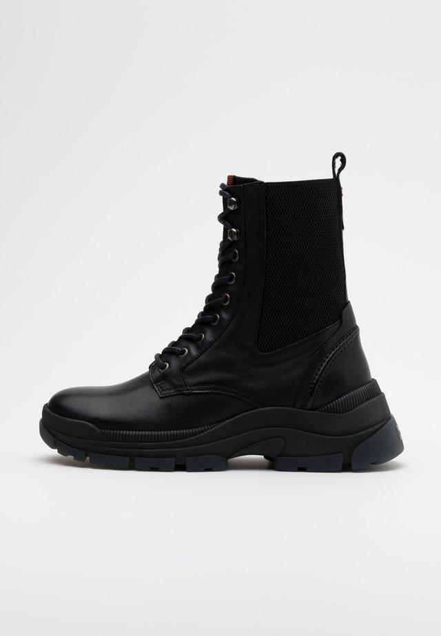 MAIA - Kotníkové boty na platformě - black