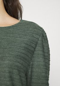 ONLY - ONLKELLY SHORT - Long sleeved top - pine grove - 4