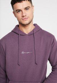Mennace - ESSENTIAL SIG HOODIE UNISEX - Hoodie - purple - 4