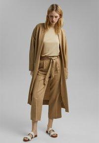 Esprit Collection - MIT BINDEGÜRTEL - Trousers - sand - 1