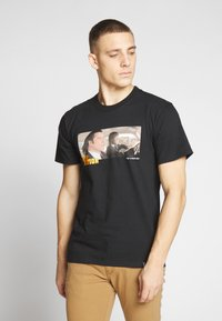 HUF - PULP FICTION ROYALE WITH CHEESE - T-Shirt print - black - 2