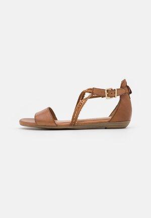 Sandals - nut