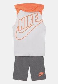 Nike Sportswear - NIGHT GAMES MUSCLE SET - Top - carbon heather - 0