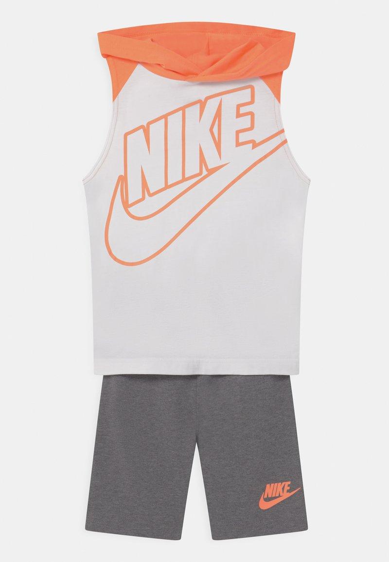 Nike Sportswear - NIGHT GAMES MUSCLE SET - Top - carbon heather