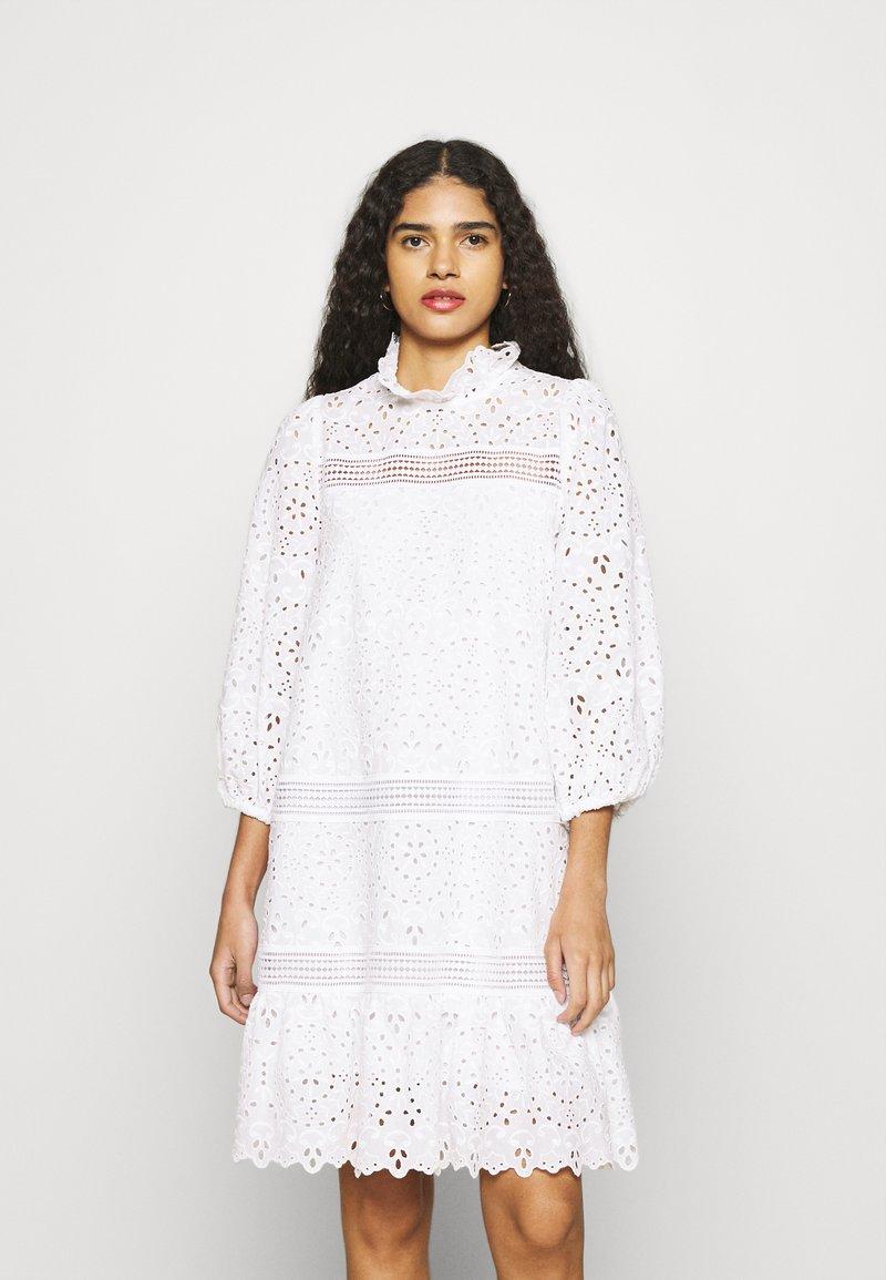 IVY & OAK - BALLOON FLOWER - Denní šaty - snow white