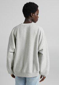 Bershka - OVERSIZE  - Sweatshirt - light grey - 2