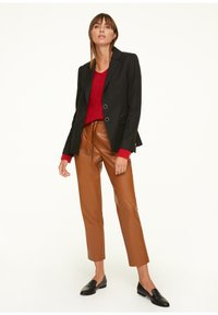 comma - LOOSE FIT - Jumper - red - 1