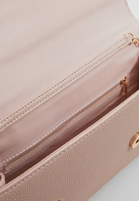 Dorothy Perkins - BAR  - Clutch - blush - 4