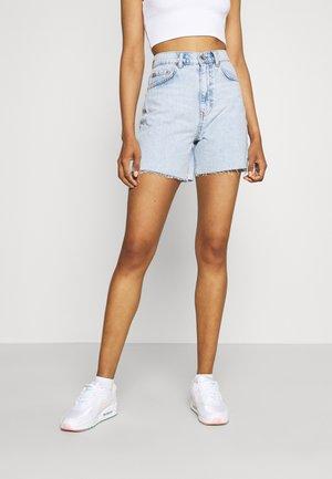 MID LONG - Jeans Short / cowboy shorts - light blue snow