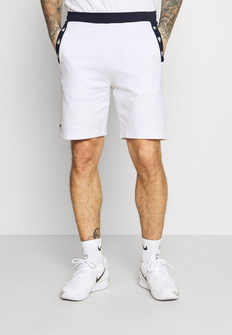 Lacoste Sport - SHORT - Träningsshorts - white/navy blue
