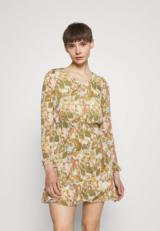 ONLDAISY DRESS - Vestido informal - oatmeal