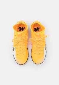 Nike Performance - JR MERCURIAL 7 ACADEMY TF UNISEX - Kopačky na umělý trávník - laser orange/black/white/laser orange - 3
