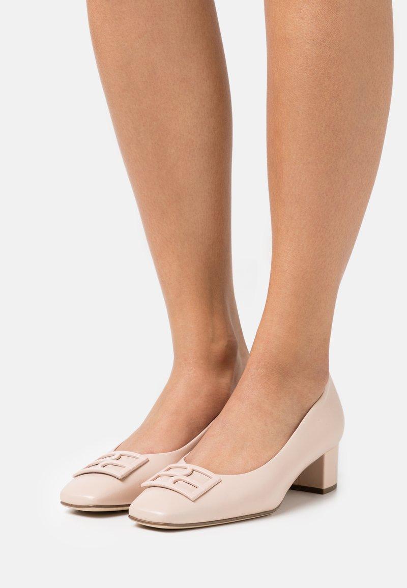 Högl - DELILA - Classic heels - beige