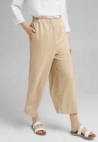 Esprit - CULOTTE - Trousers - sand - 0