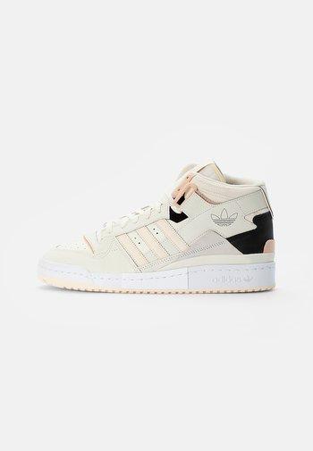 FORUM EXHIBIT MID - Sneakers alte - off white/halo blush/core black