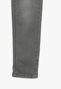 Cars Jeans - BURGO - Slim fit jeans - grey used - 3