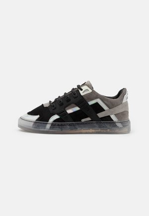 ESSENCE SILVERSTONE UNISEX - Trainers - grey/white
