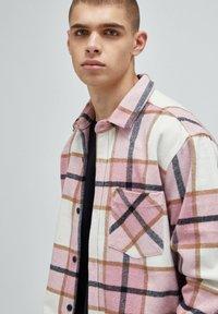 PULL&BEAR - Summer jacket - mottled pink - 4