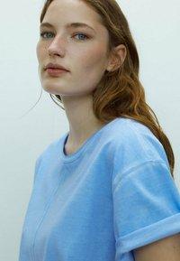 Massimo Dutti - Basic T-shirt - blue - 3