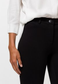 zero - CAJA - Trousers - black - 3