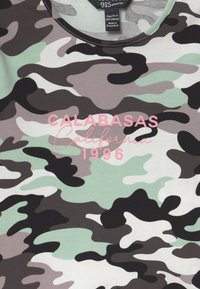 New Look 915 Generation - CAMO CALABASA - Print T-shirt - khaki - 2